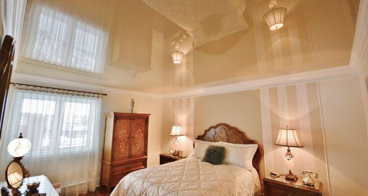 Натяжные потолки в спальне в Рязани